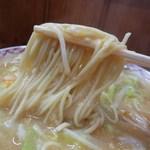 44848913 - 麺は張りのある低加水の中細ストレート(デジタルリマスター版w)