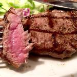 肉バル 310 - 焼き加減はミディアムレアでした