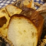 モンタナベーカリー - セットの自家製パン   おかわりOK