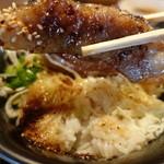 44857403 - 牛ステーキ丼定食(大盛無料) 1000円