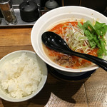 RAMEN TOMIRAI - 「四川担々麺」880円と無料ごはん