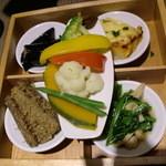 泥武士 - 豚汁とお野菜ご膳です♪ゴボウが味が滲みていて美味しい♪