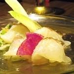 M PRIME - 旬の果物と鯛の炙りカルパッチョ