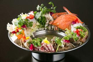 アジアン バンブーン - スープが選べる豪華花鍋