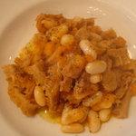 オステリア ベオーネ - トリッパと白インゲン豆のトマト煮