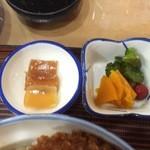 ヒロ - 小鉢と漬物【料理】