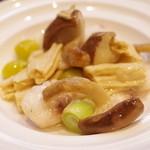 古月 - 鮮魚と銀杏の炒め物