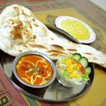 インド ダイニング カフェ マター - 料理写真:当店大人気!インド定番「バターチキンカレー」