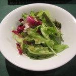 オステリア ヴィン カフェ - ランチのサラダ