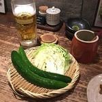 宮崎県日南市 塚田農場 新橋烏森口店 - お通し野菜、きゅうり巨大すぎっ!!(笑)