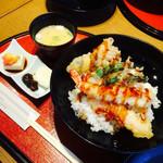 喫茶あさひ - 天丼セット、胡麻豆腐つき。お味噌汁は白だしで濃厚でした。