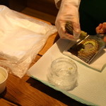 44882902 - 伊豆名産の本山葵をすり立でトッピグサービス。