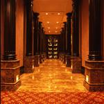 チッペンデール - 入口~フロアへと続く廊下