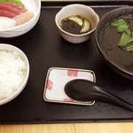 まぐろ基地 - イカ汁定食(¥1,000)