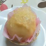 お菓子工房 スウィーツガーデン - まるごと桃。名前を忘れました