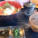 まる貝 - まる貝丼 ¥1,680-