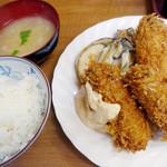 小田保 - 牡蠣ミックス定食美味しく満足!
