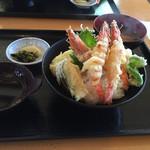レストラン美浜 - 車海老の天丼(味噌汁、漬け物付き)1300円(税込)