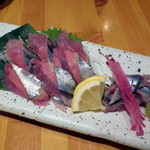 丸海屋 離 - 秋刀魚の刺身(700円)