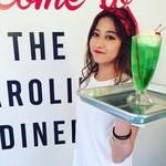 CAROLINE DINER -
