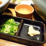麺匠の心つくし つるとんたん - ☆薬味はこちらの2種類(^o^)丿☆