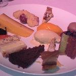4490703 - ディナーのデザート全種盛り