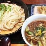 44902990 - [ここから 2015/11/24] きざみ鴨汁つけうどん+舞茸天 up