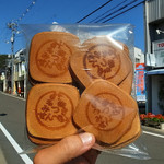 近藤菓子店 - オマケの名物みつきせんべいが、これまた旨い(2015年10月18日)