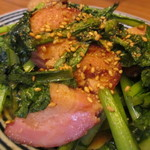 糀 やまき - 小松菜とベーコンのしょうゆ糀炒め