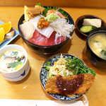 44907770 - 海鮮丼(ランチ¥1050)。茶碗蒸しに白身魚フライなど、いろいろ付いて満足度高い