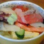 すが宗 - 海鮮丼、これで 950 円
