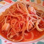 4491204 - 魚介類のトマトソースパスタ