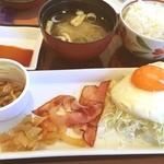 デニーズ - ベーコンエッグ朝食 515円