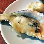 マリスコ - 焼牡蠣(マリボーチーズとジェノベーゼソース)(2015年11月)