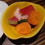 仙台まるいち総本家 - 野菜のピクルス