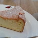 caffe  dolce - ベイクドスフレチーズケーキ