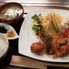 べッチ - 料理写真:日替わりのピリ辛チキン定食730円(税込)