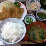 ファミリー割烹 おさむ - 料理写真:ひら~り豚カツ定食