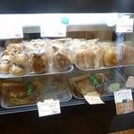 天然酵母のサンドのお店 futaba - パンのショーケース