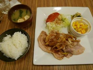 亜紀 - 日替わり(豚の生姜焼き)920円