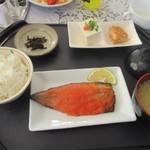 お食事処 なごみ - 料理写真:ビュッフェコーナーで色々選んでると頼んだ鯖明太セットの出来あがりです。