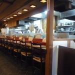 八兵衛 - オープンキッチンのお蕎麦屋さん