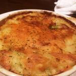 日比谷Bar - アボカドと厚切りベーコンのチーズオーブン焼