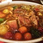 日比谷Bar - 鶏もも肉のオーブン焼 にんにく醤油ソース