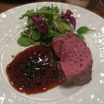 モンプチコションローズ - 27年11月 (あちき)オーストラリア産牛ヒレ肉ロースト トリュフとシェリー酒のソース