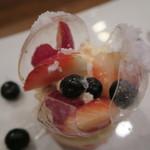 モンプチコションローズ - 27年11月 デザート 飴細工3種ベリー、苺、ギムーブ