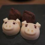 モンプチコションローズ - 27年11月 豚チョコ、チョコ