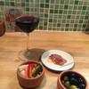 エルーバリオ - 料理写真:グラスワインにおとおし、ピクルス、オリーブ