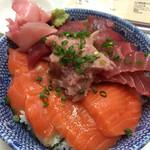 味楽 - マグロサーモンねぎとろ丼680円