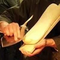 小桃園 - 「刀削麺」包丁で削るため、麺に薄いところと厚いところができ独特の食感を生み出します。